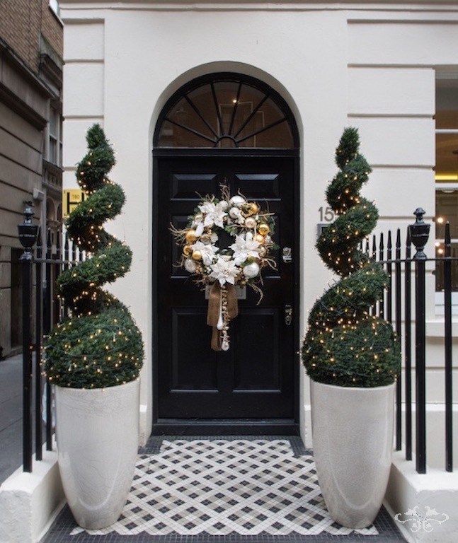 Neill Strain Christmas styling homes