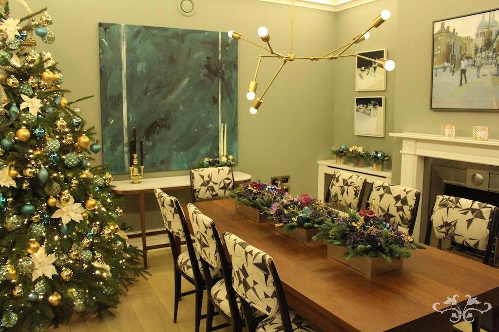 Neill Strain Christmas dining room decor.jpg