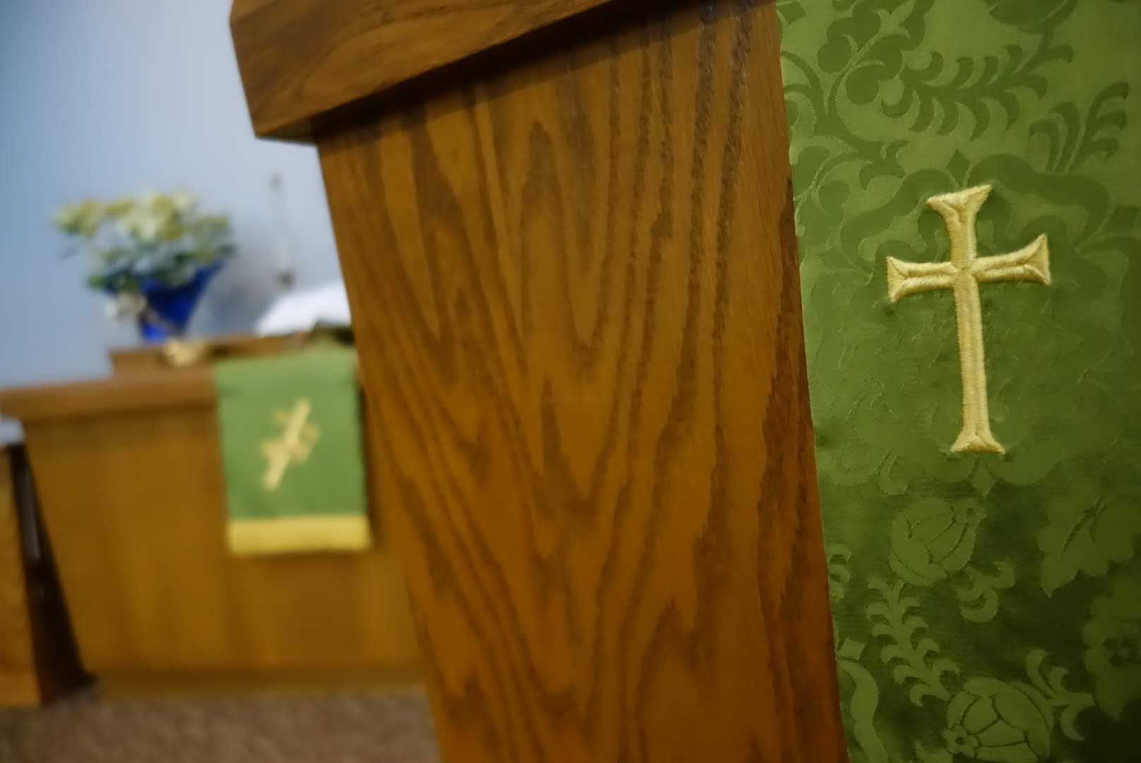 Epiphany at St Paul Clintonville, picture of cross and green altar cloth