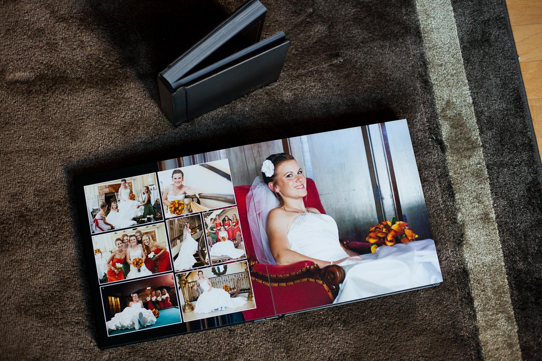 two-wedding-albums-bride-getting-ready-happy-fun-photography-rug-lixxim.jpg
