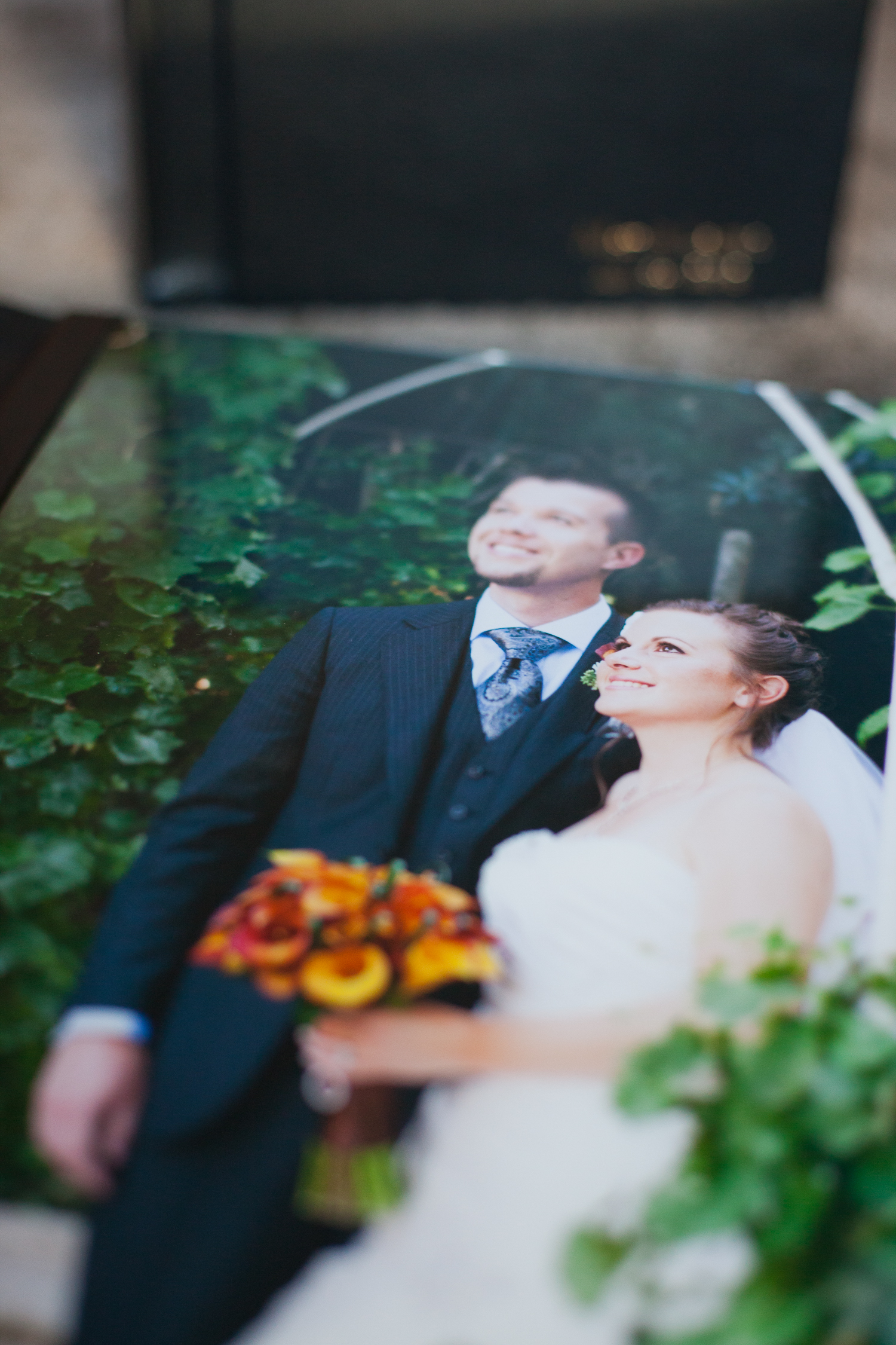 clear-glass-cover-option-wedding-flush-mount-album-front-lixxim-photography.jpg