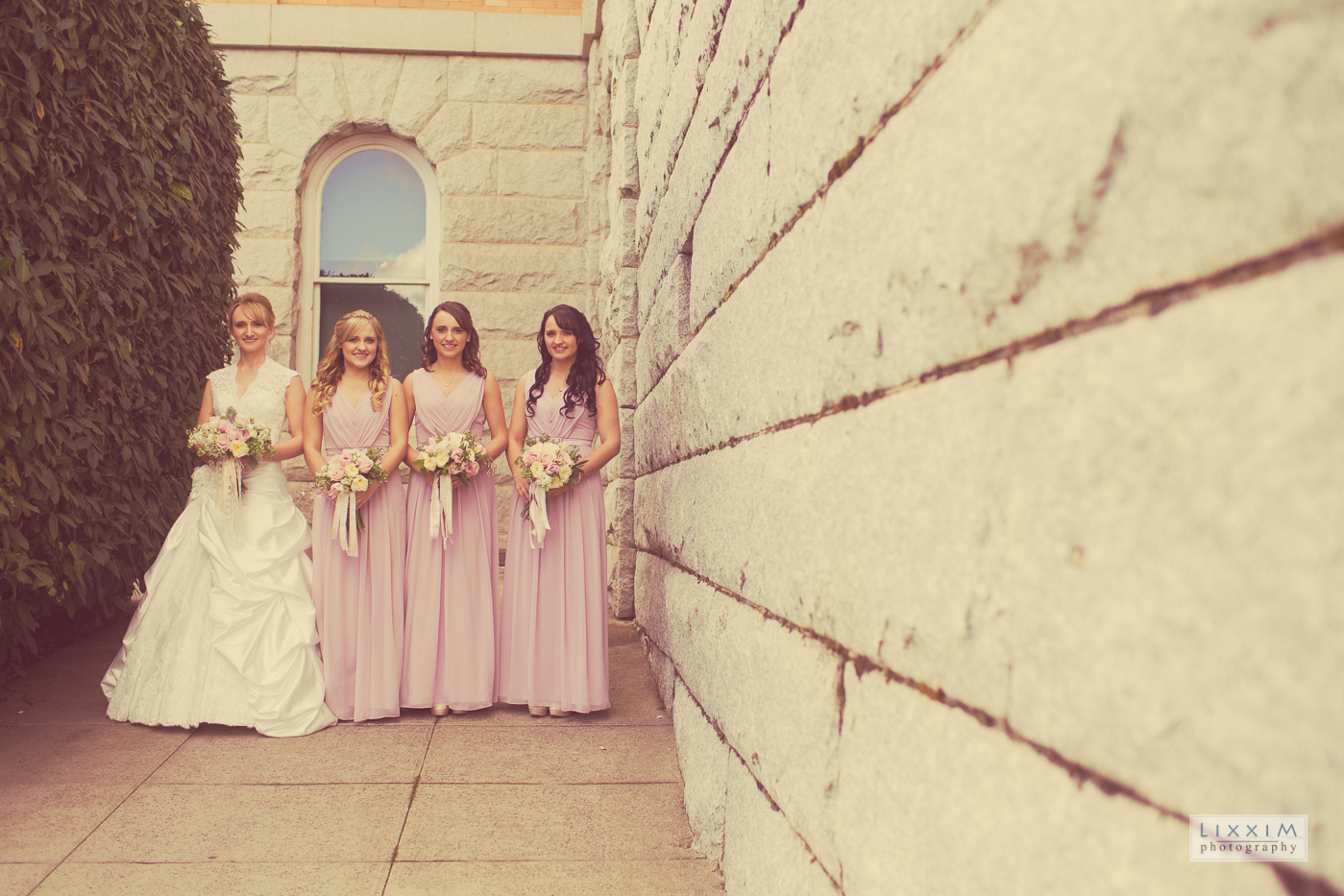 old-auburn-wedding-photoshoot-girls-bridal-party-bride