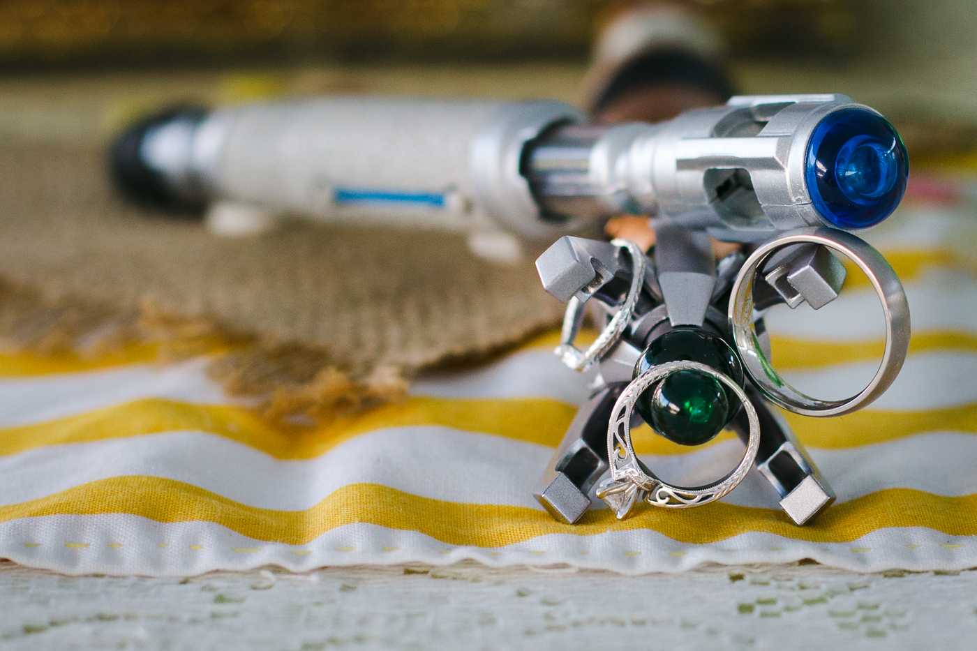 dr-who-sonic-screwdrivers-wedding-rings-closeup-cool-lixxim-photography
