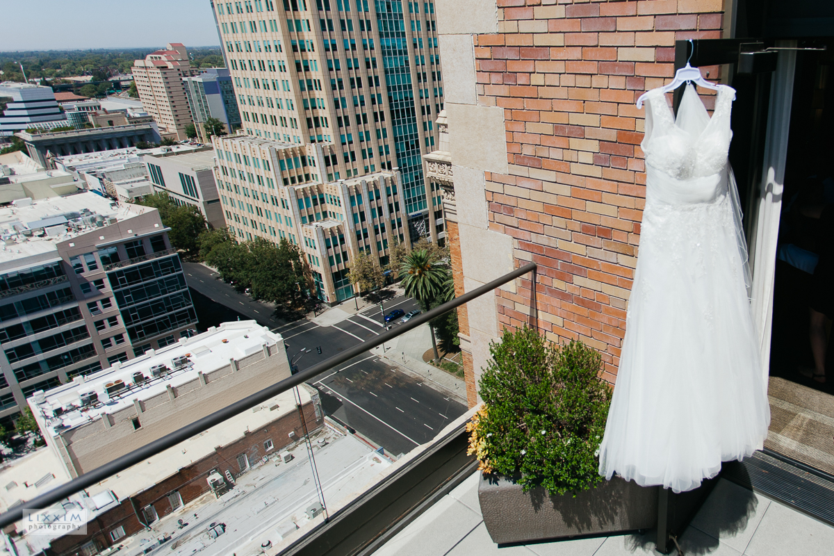 citizen-hotel-sacramento-wedding-photographer-dress.jpg