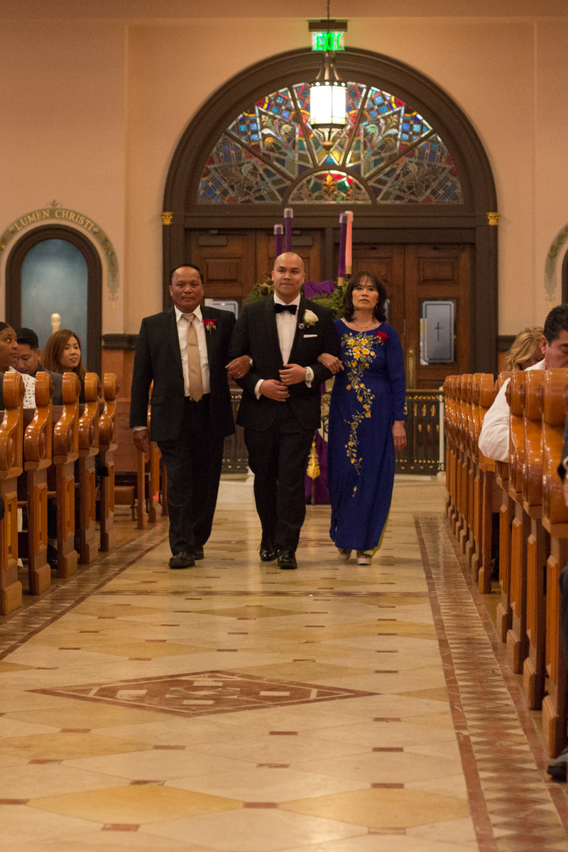 wedding-blessed-sacrament-cathedral-downtown-k-street-mall-11.jpg