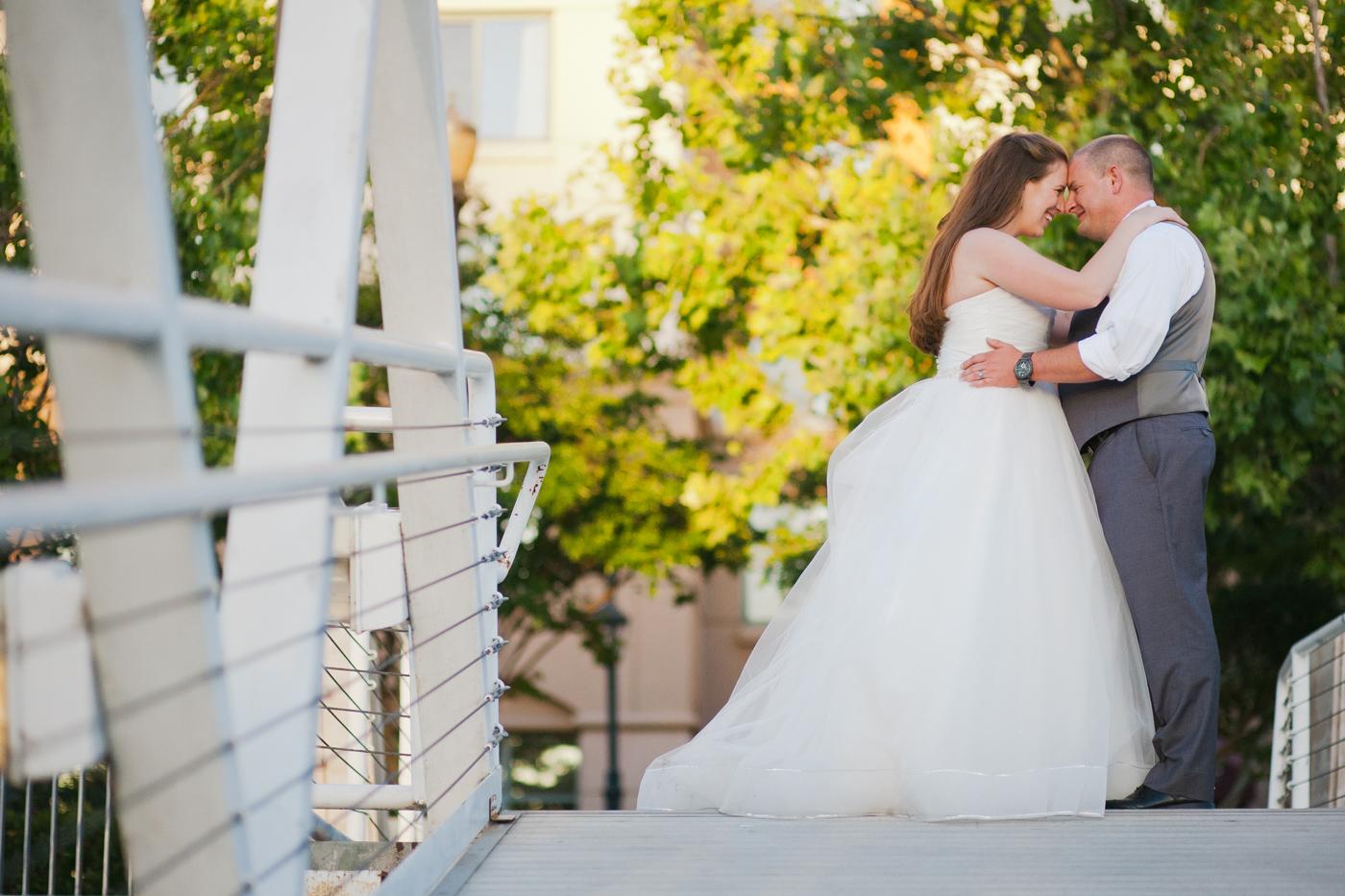 old-sacramento-river-wedding-summer-love-pier-dock-lixxim