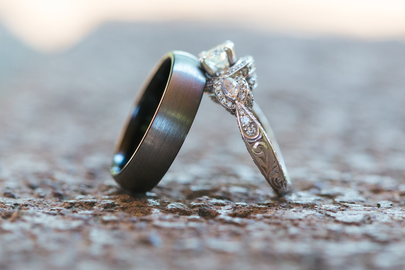 wedding-rings-stacked-against-each-other-sacramento-wedding