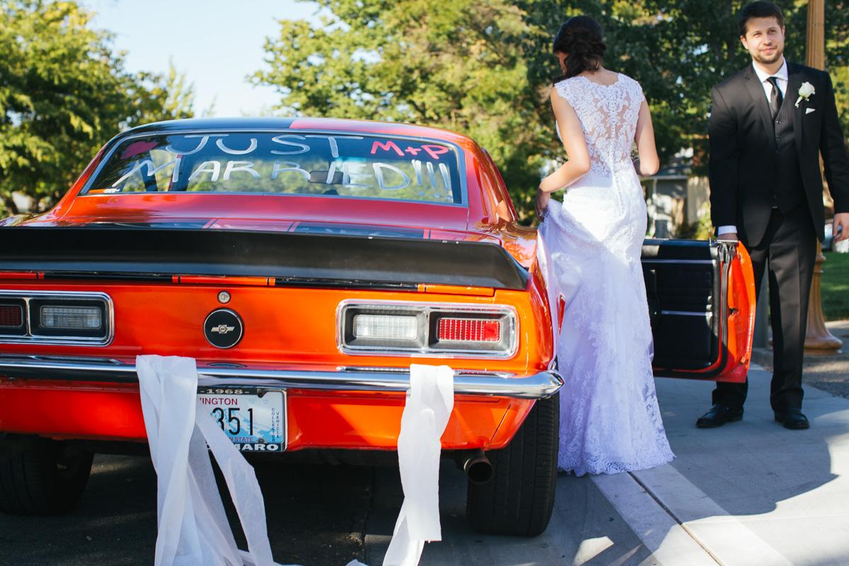 sacramento-downtown-wedding-1958-camaro4.jpg