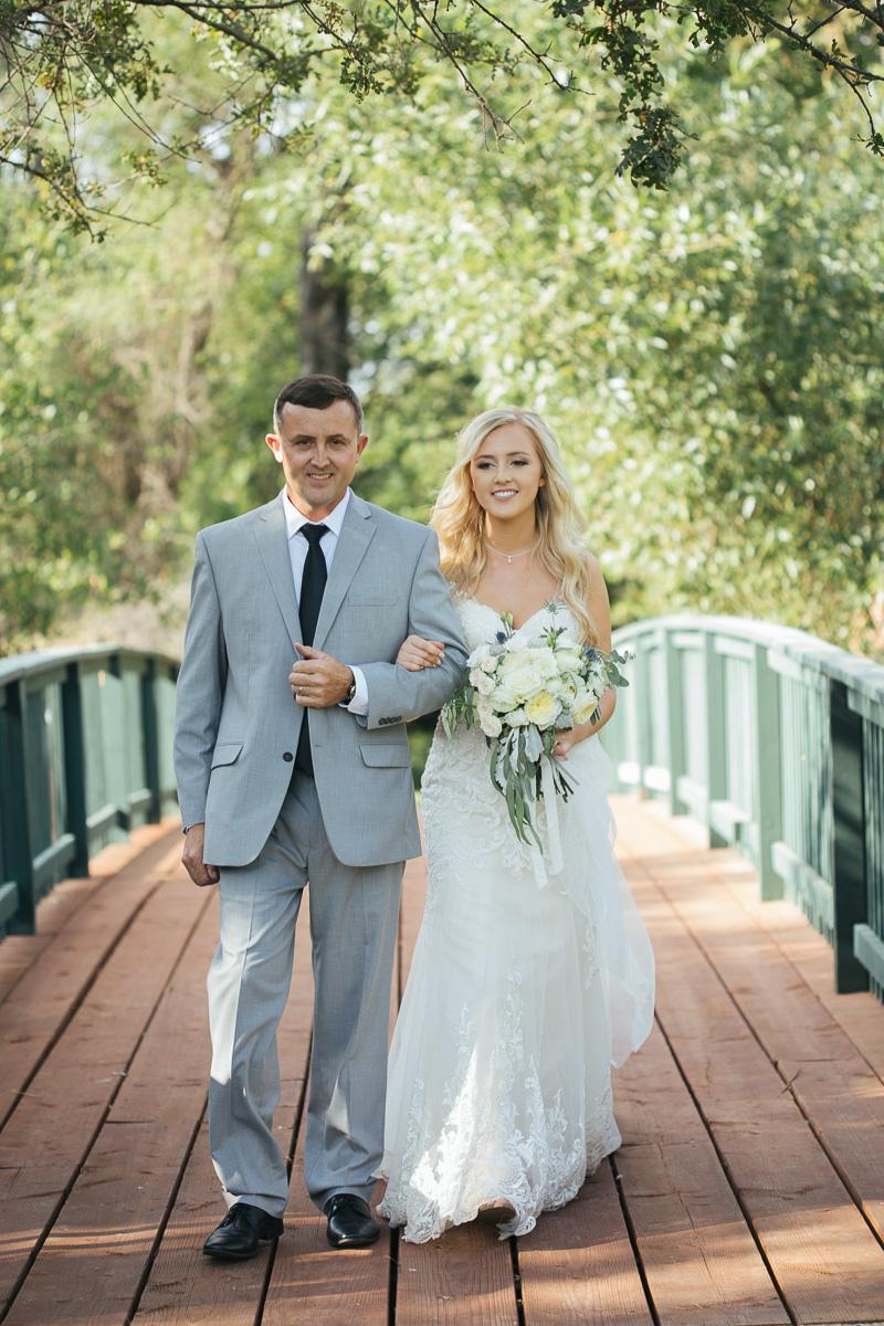 gold-hill-gardens-wedding-photographer-lixxim-21.jpg
