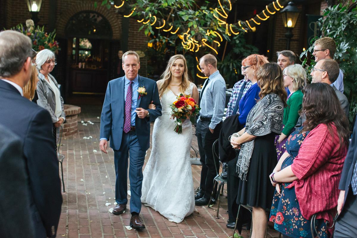 Firehouse-restaurant-old-sacramento-wedding-photographer-22.jpg
