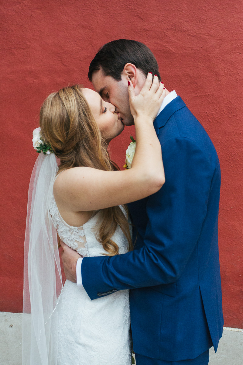 Firehouse-restaurant-old-sacramento-wedding-photographer-35.jpg