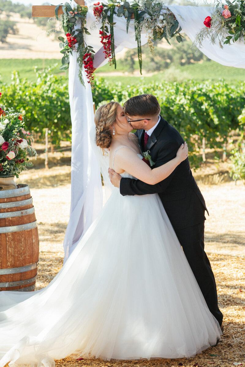 rancho-victoria-vineyard-wedding-photos-36.jpg
