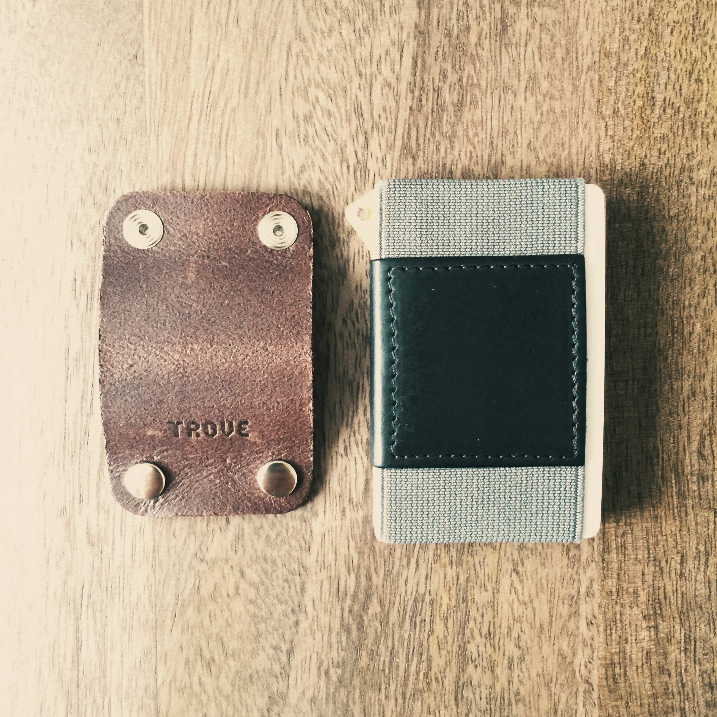 trove-cable-clip-with-wallet