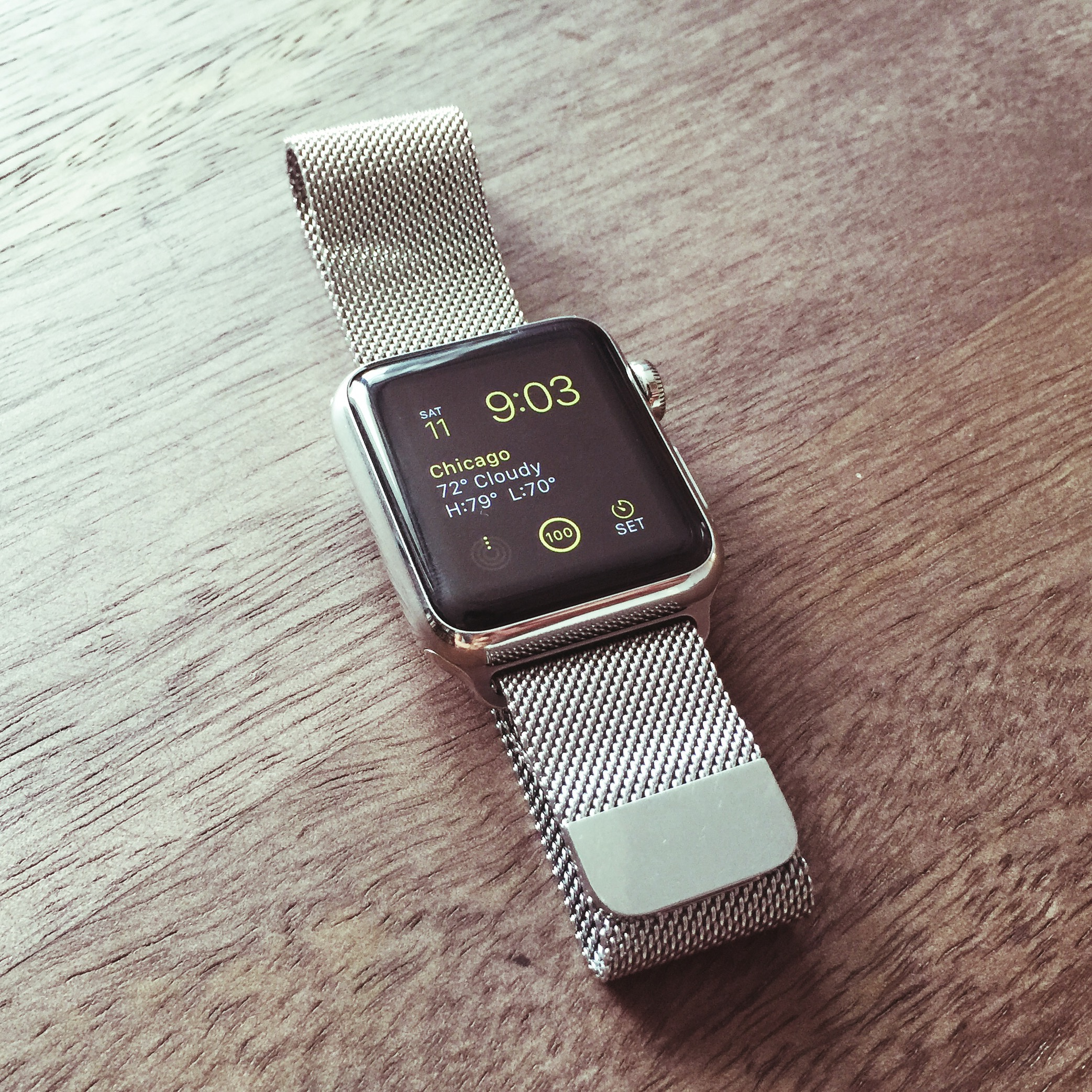 apple-watch-with-milanese-loop