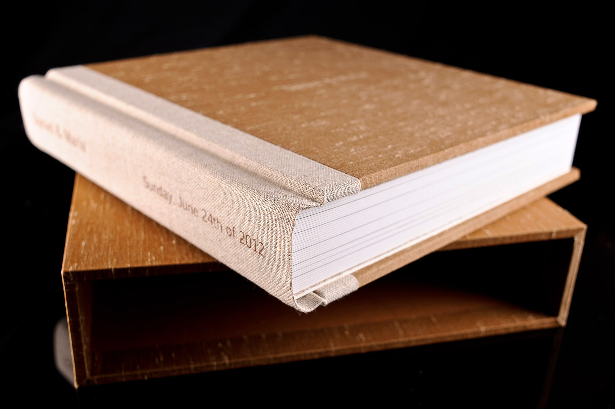 Wedding album made with cocoa shantung silk 18