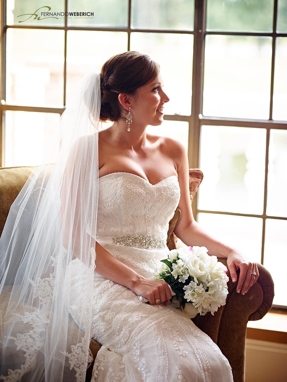 Raveneaux country club bridal photo 1