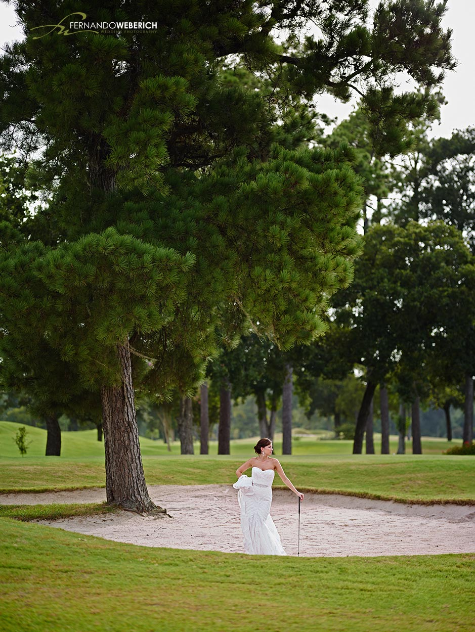 Raveneaux Country club has a golf course with an amazing view and perfect for bridal photos.