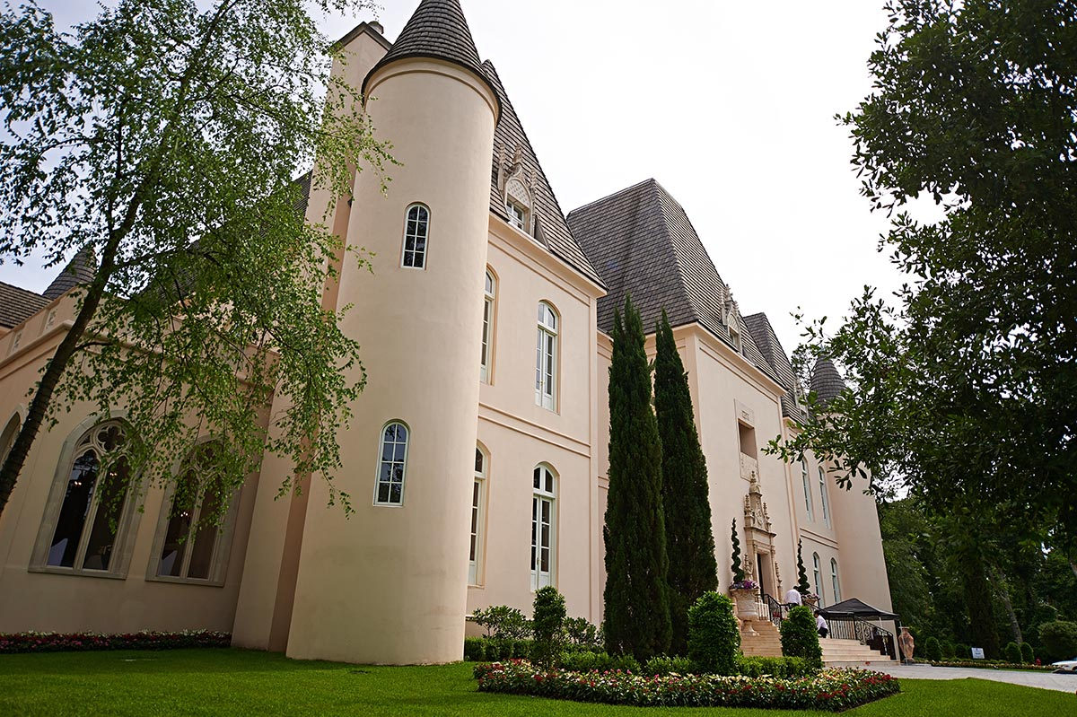 Outside view of Chateau Cocomar: A Wedding photographer's dream