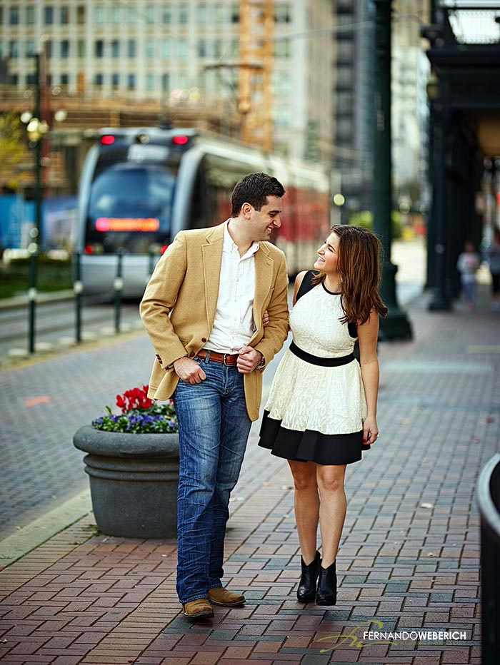 One of my favorite places for engagement shots in Downtown Houston. By -  Houston Wedding Photographer  : Fernando Weberich