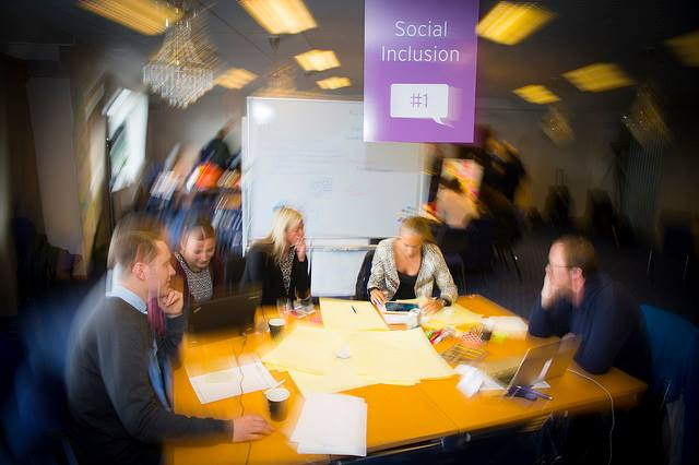 Group working on innovative service for social inclusion. The Do-Tank consisted of 53 people in the ages 22-75. (Photo: Region Västerbotten)