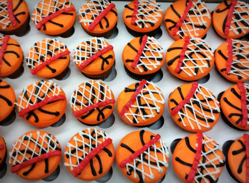 Basketball Cupcakes with Nets