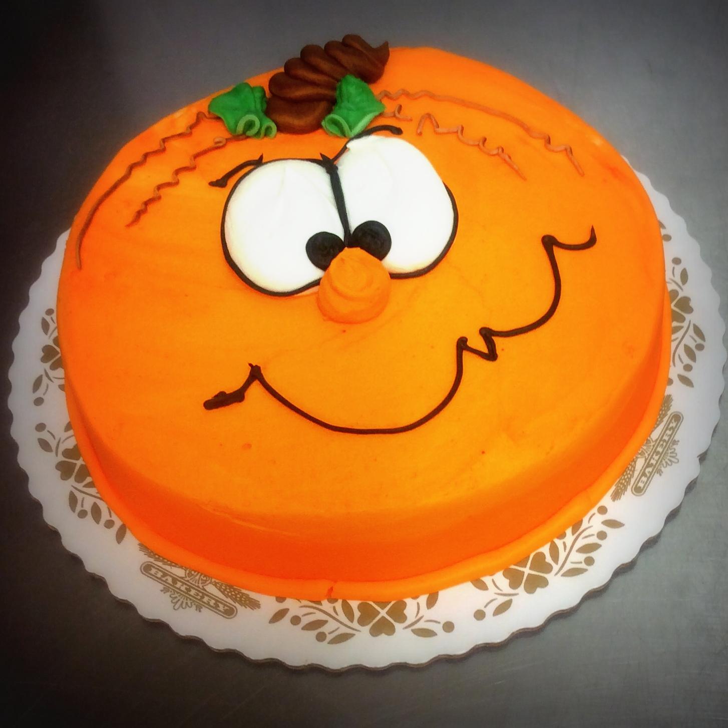 Halloween Round Pumpkin Face Cake