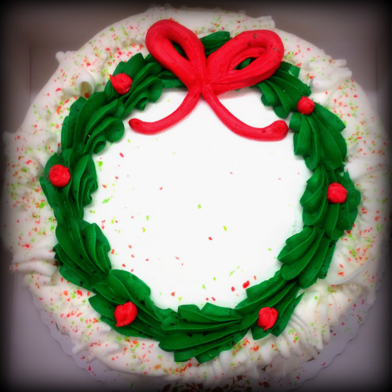 Round Cake with Christmas Wreath and Bow
