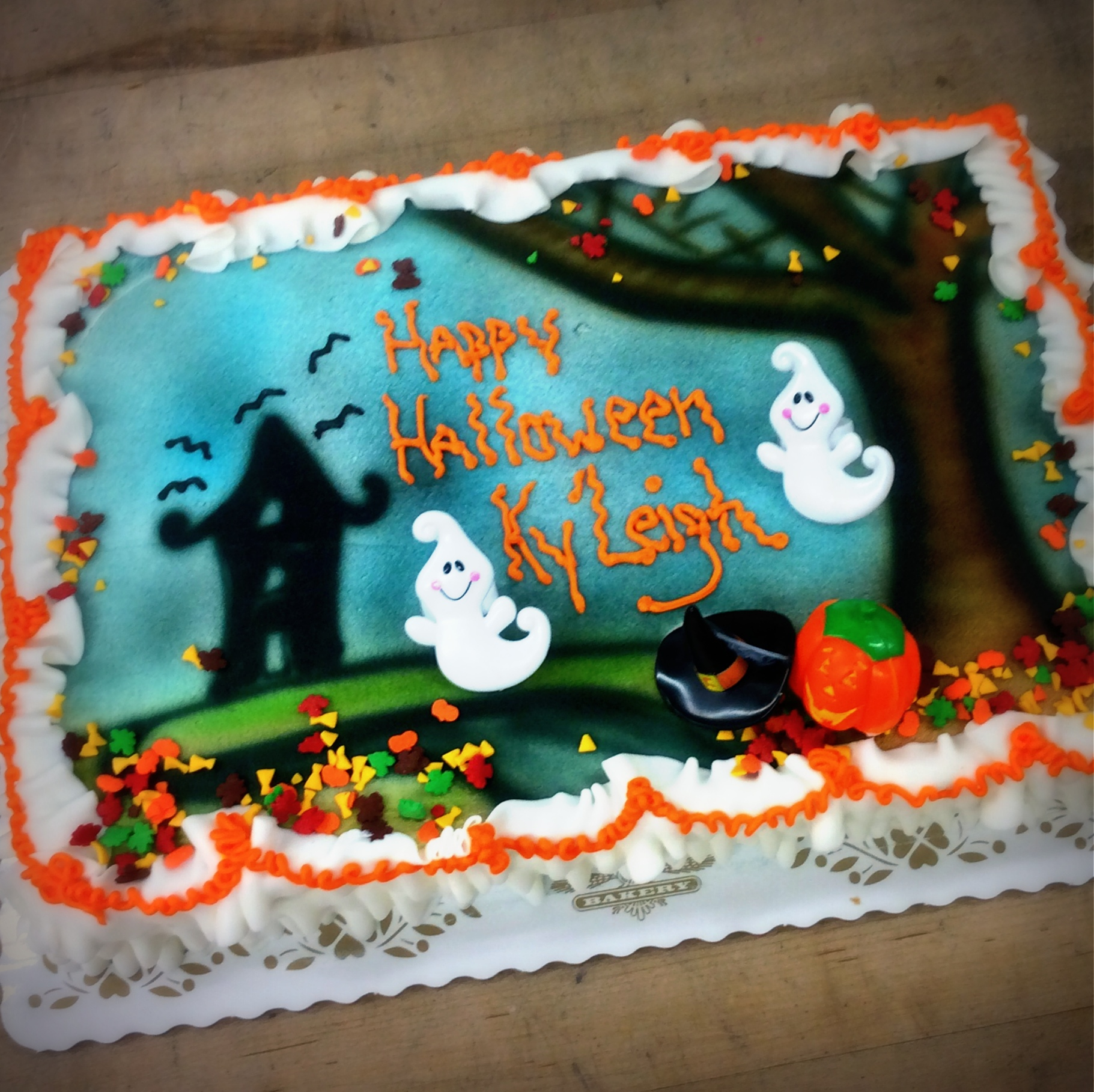 Halloween Sheet Cake with Ghosts