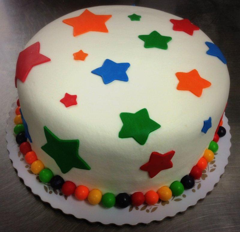 Round Cake with Fondant Stars