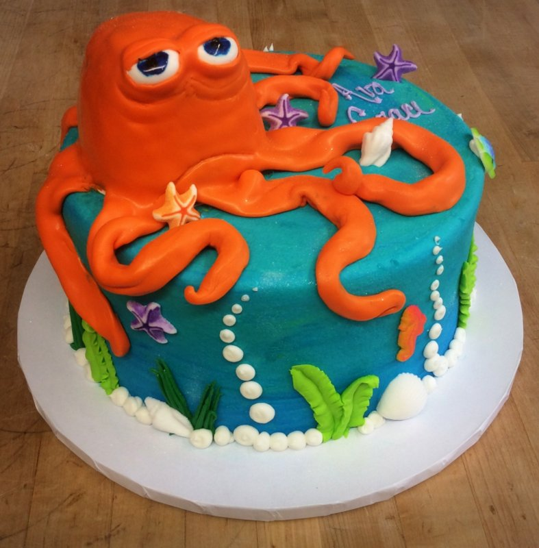 Round Cake with 3D Octopus