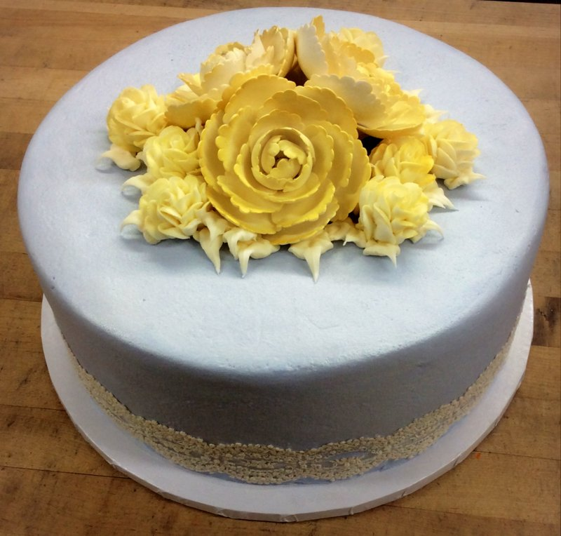 Round Cake with Gumpaste Flowers and Lace