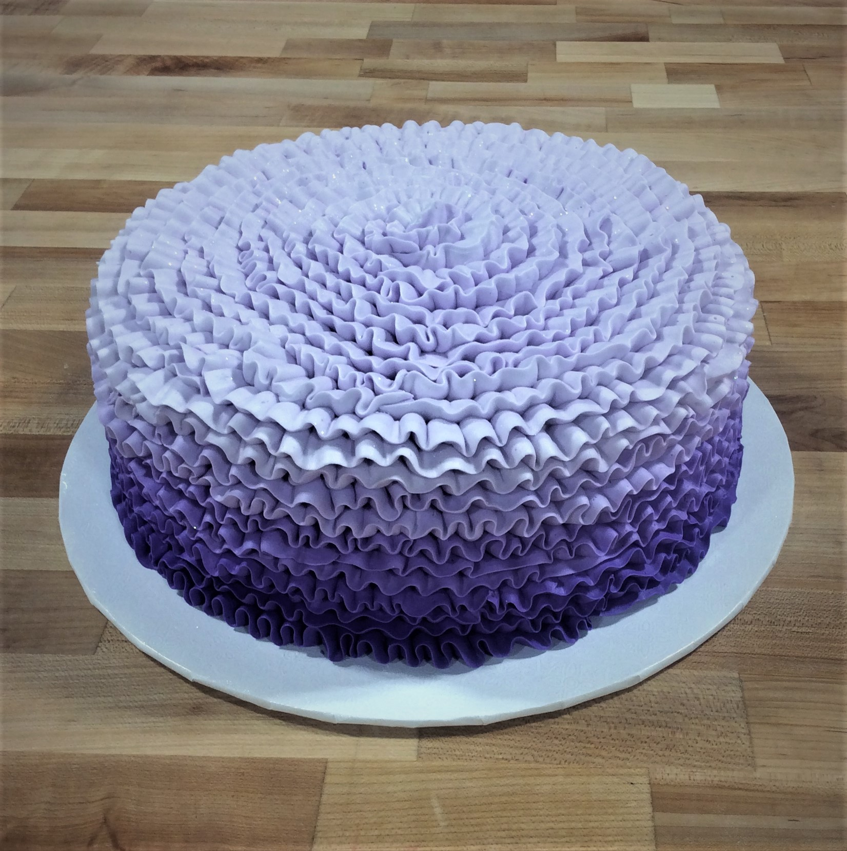Round Cake with Ruffles in Shades of Purple