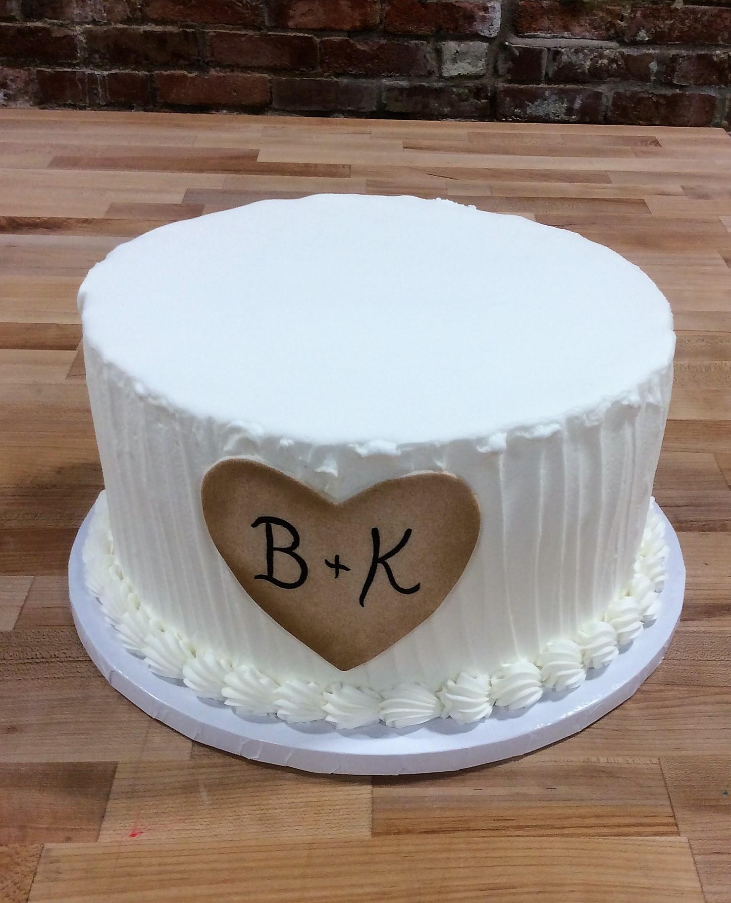 Round Cake with Fondant Heart