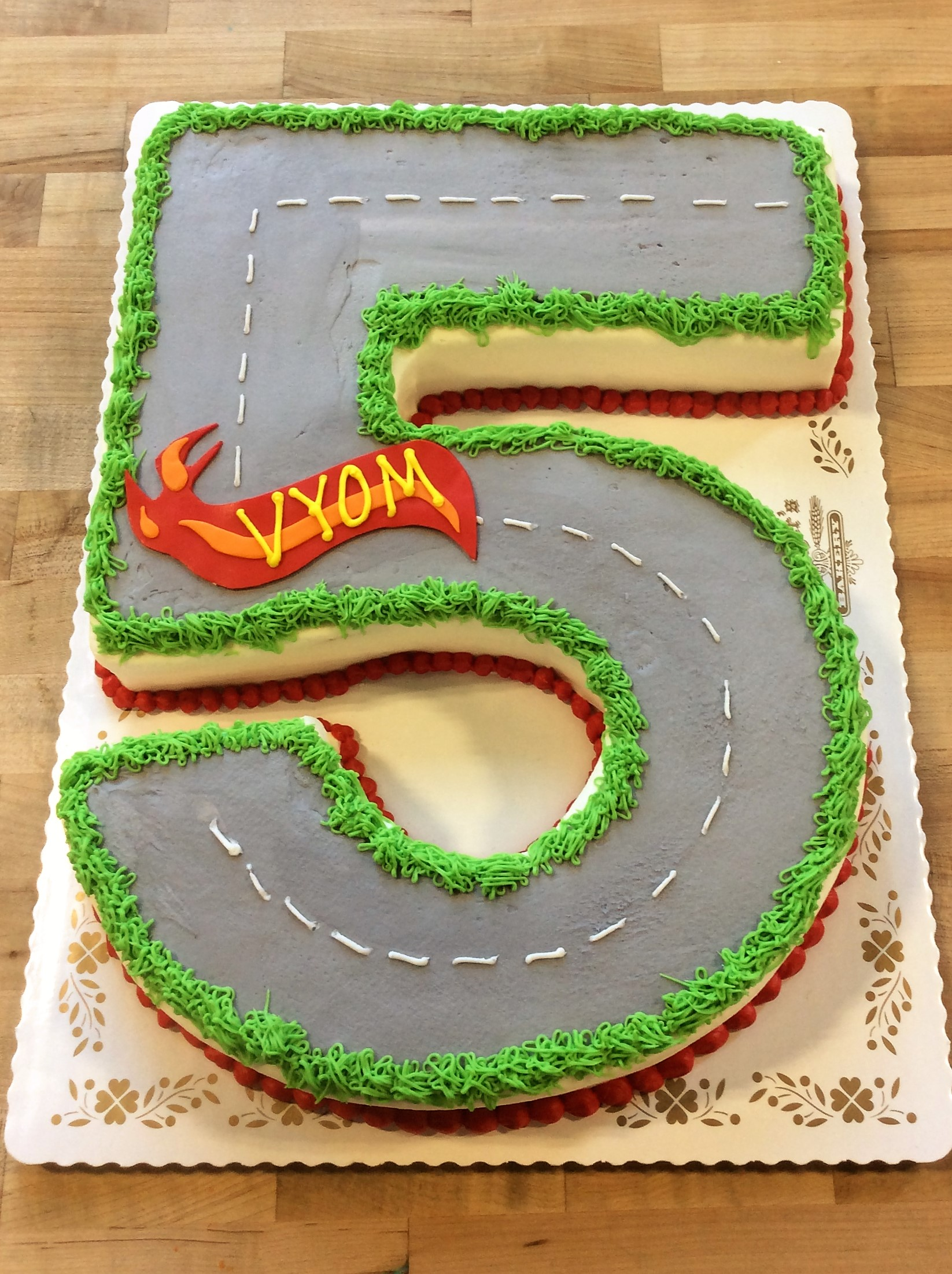 Number 5 Shaped Racing Cake