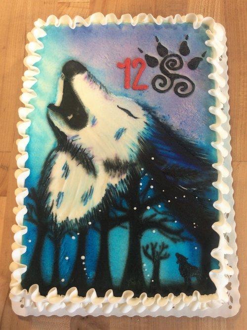 Airbrushed Wolf Sheet Cake