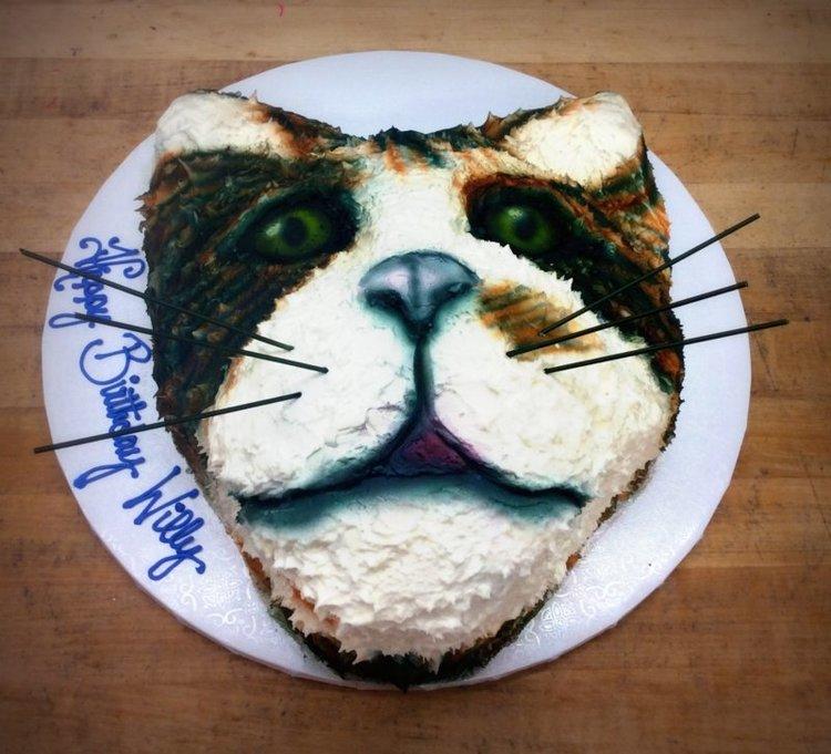 Cat Face Shaped Cake