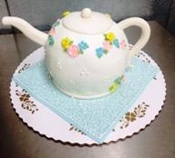 Teapot Shaped Cake on Cloth
