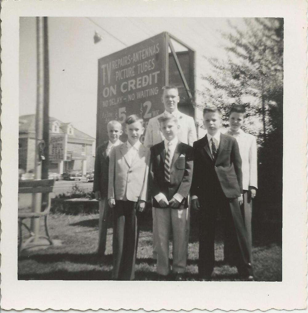 Allen+Childers+SS+1957,+Danny+Phillps,+others.jpg