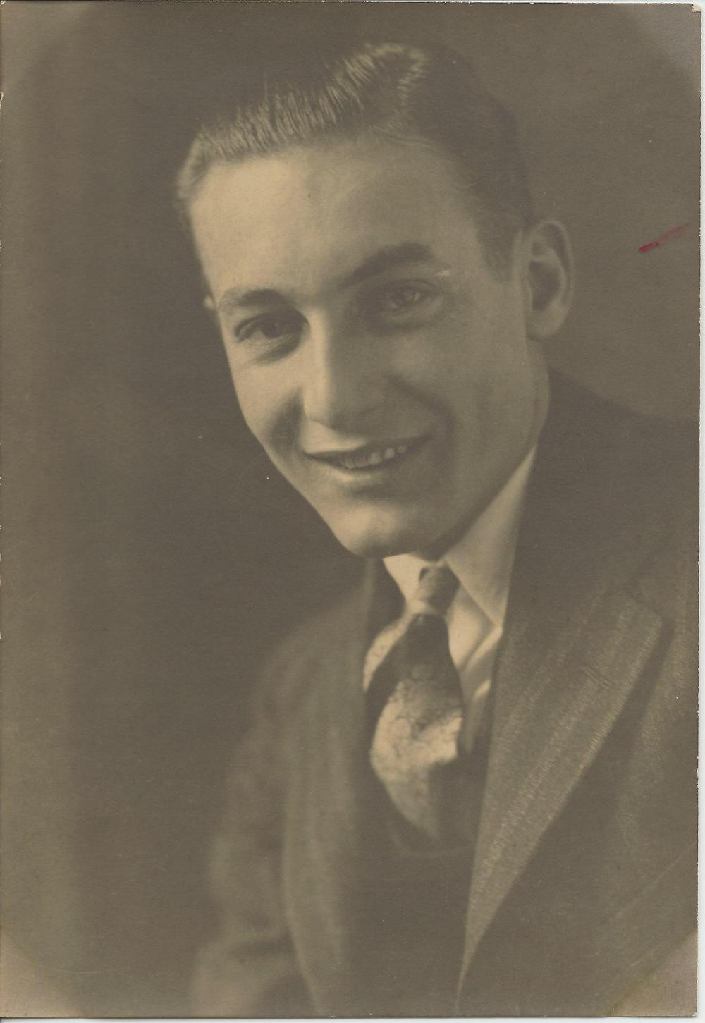 Auddy+Parker+young+(born+11-25-1908).jpg