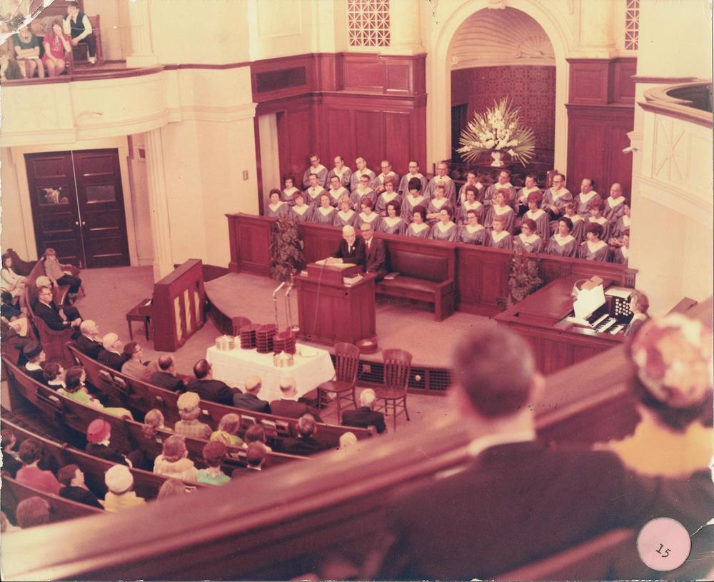 PMBC+1927-1981+Sanctuary,+Dr.+Williams,+Hal+Shoemaker,+choir.jpg