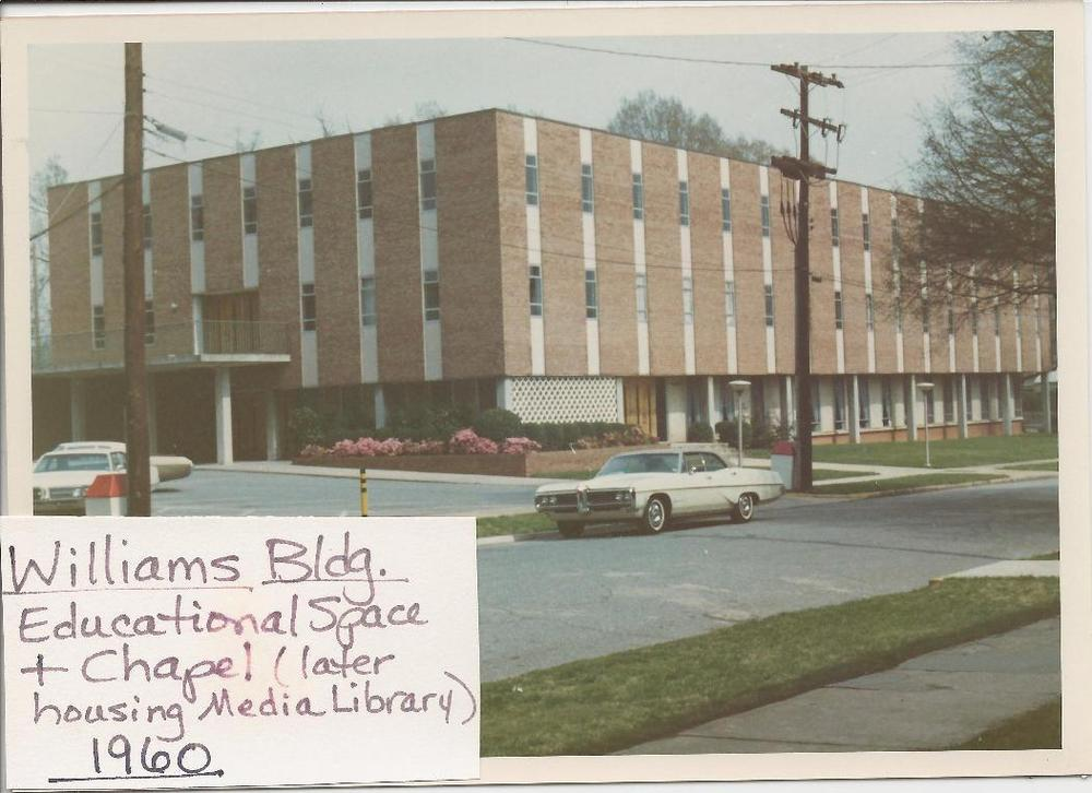 Williams+Bldg,+cars+in+front,+telephone+polls+maybe+1960.jpg