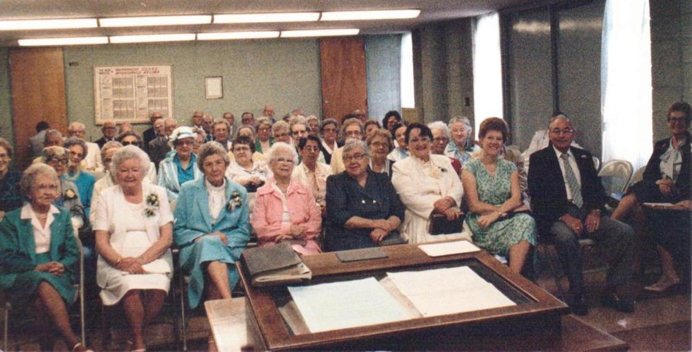 Williams+senior+citz+in+Room+115+women+c.+1980's.jpeg