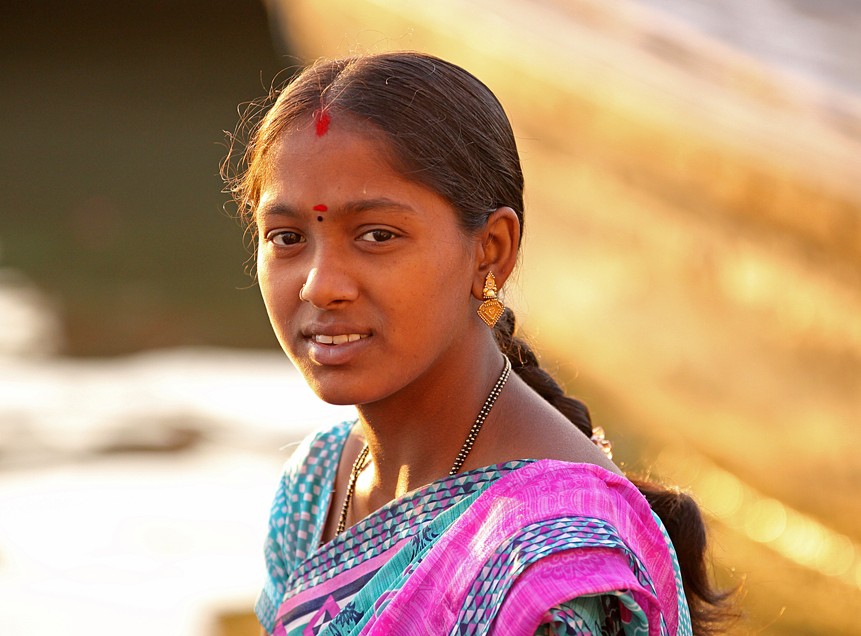 Varanasi W teenager.jpg