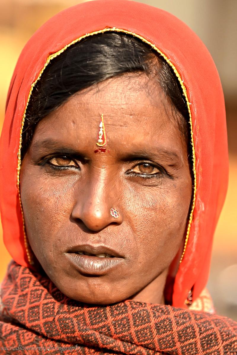 Pushkar serious face woman.jpg