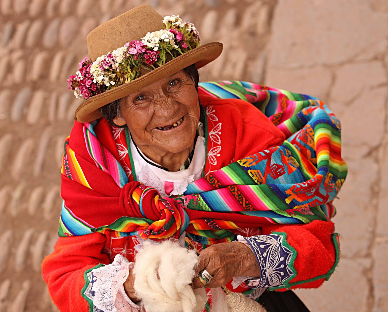 Peru W old woman tooth looking up.jpg