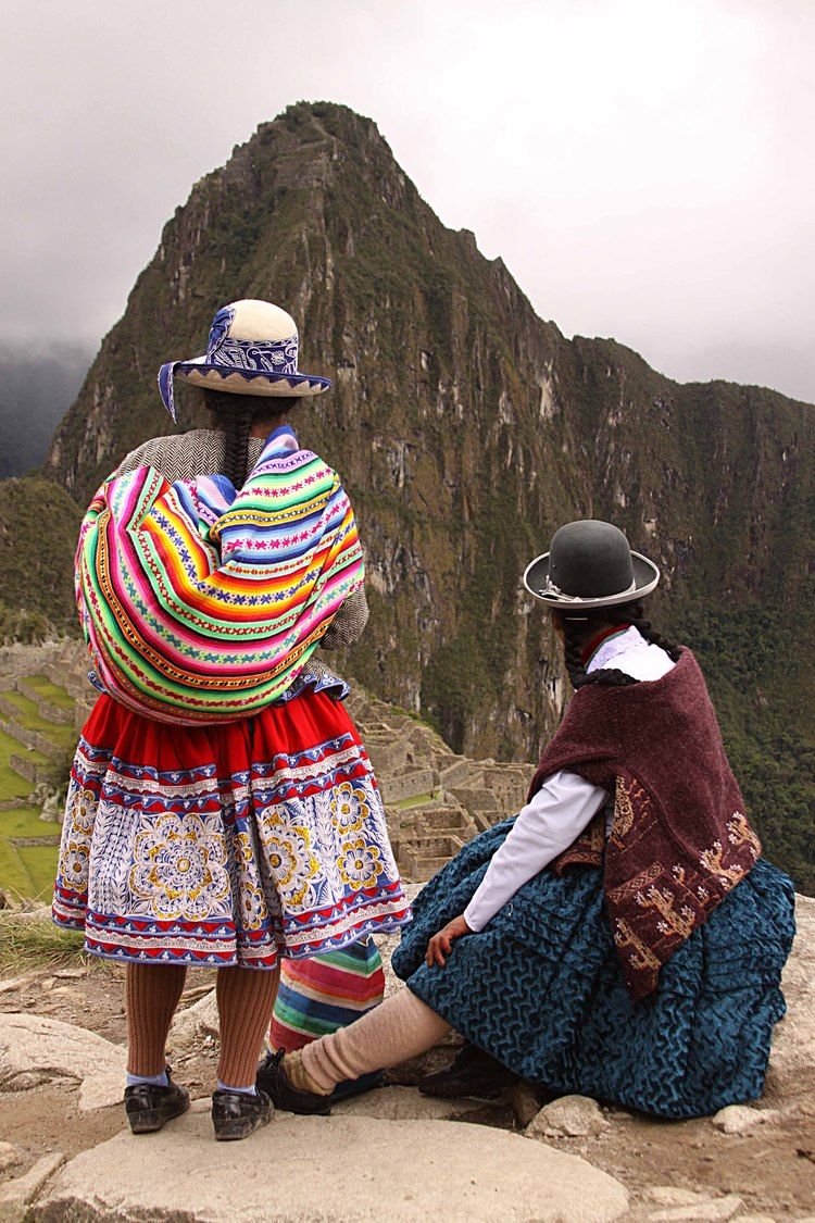 Peru W woman Macchu Picchu.jpg