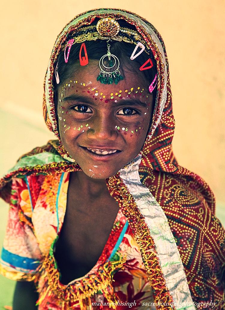 children Coca Cola girl Mathura.jpg