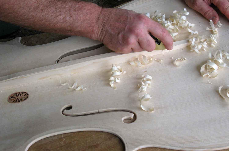 Shaping the bassbar