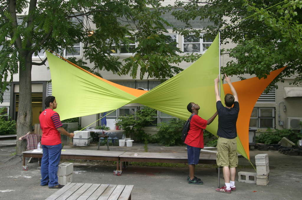 No-Sew Spandex Tensile Shade Structure. Photographer unknown. Image fromhttp://www.instructables.com/id/No-Sew-Spandex-Tensile-Shade-Structure/.