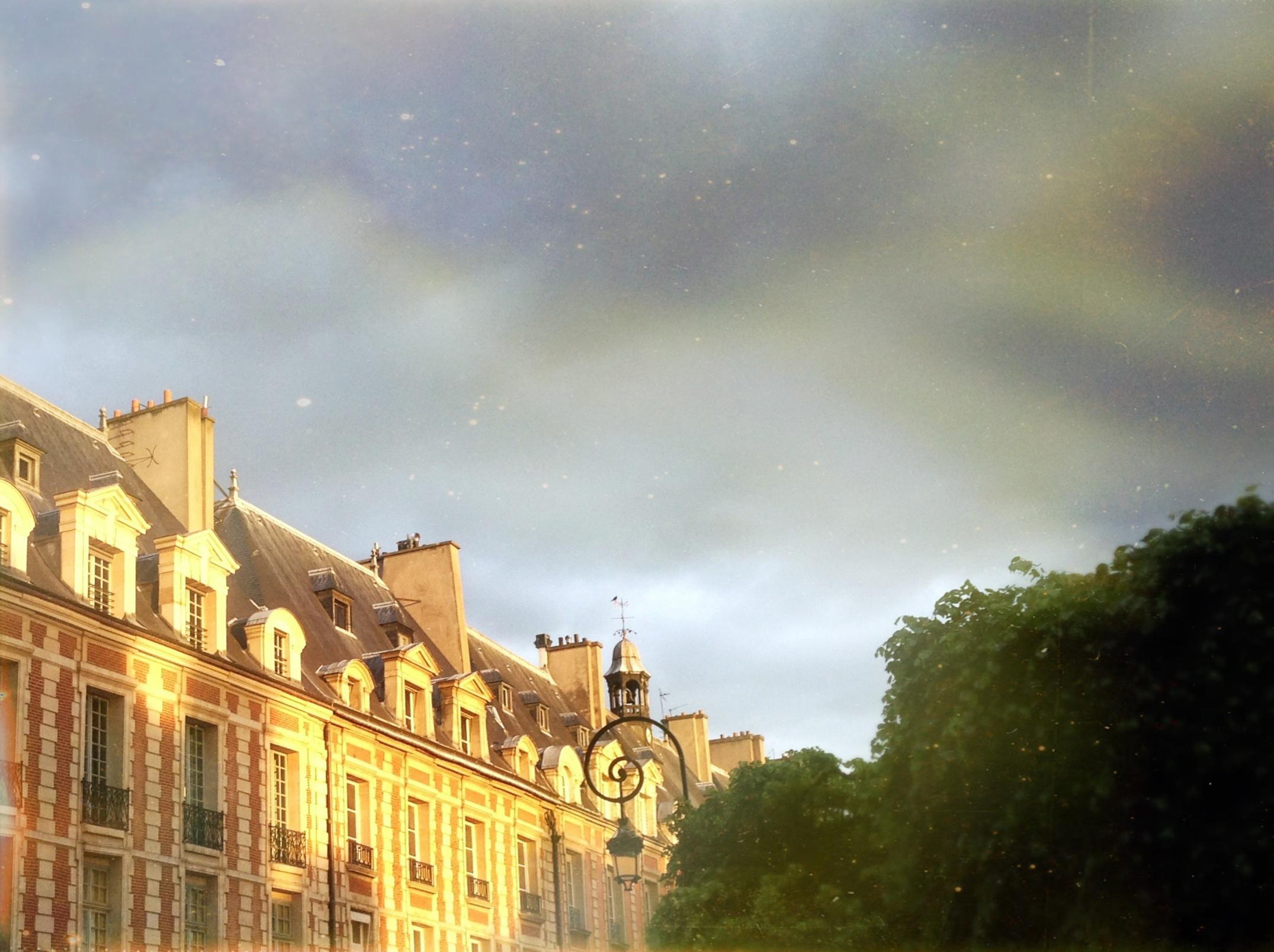 PLACE DES VOSGES, París. Foto de  Lore G Barocio